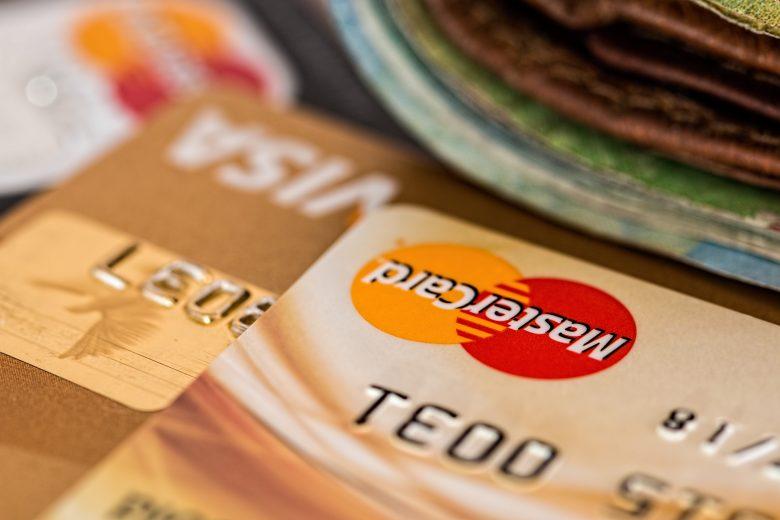 決済するためのクレジットカード