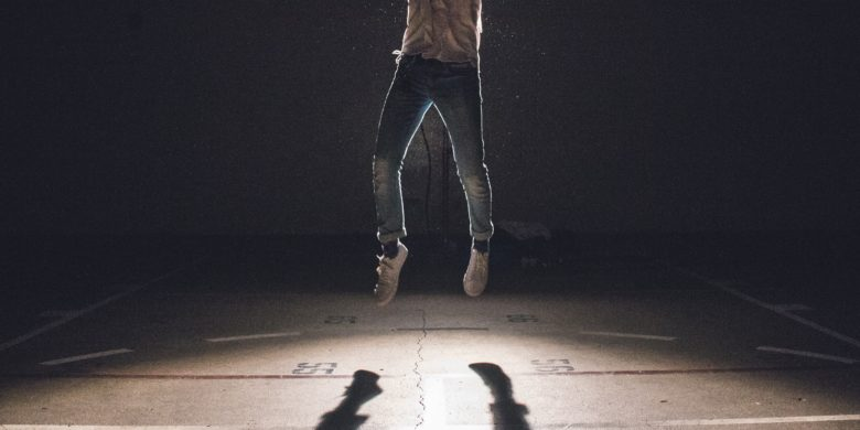 苦境を乗り越えるジャンプ