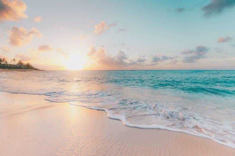 自由を象徴する海辺