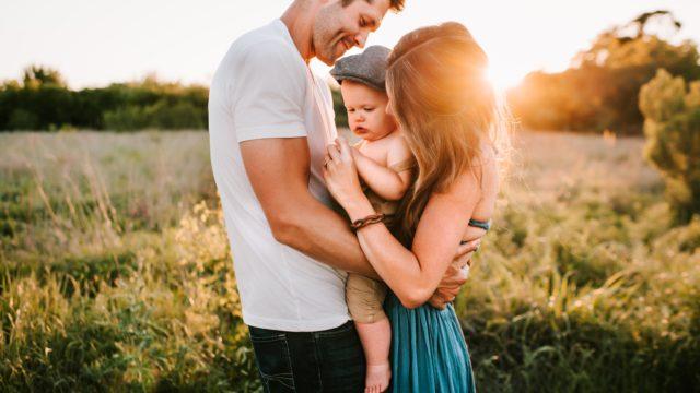 充実した生活を送る家族